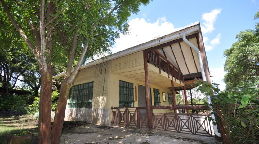 House For Sale In Usariver with 25 Acres