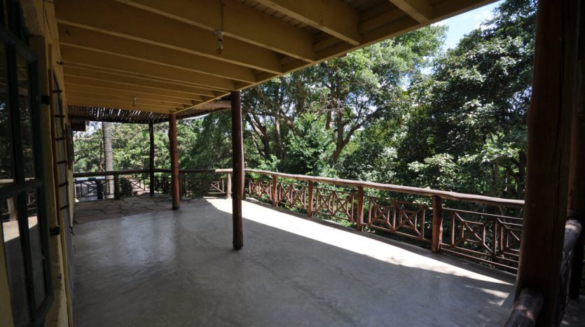 House For Sale In Usariver with 25 Acres7