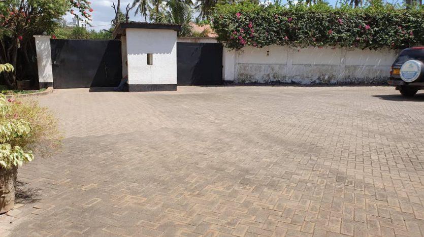 House For Sale at Mikocheni Dar Es Salaam1