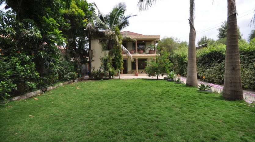 House for Sale In Ngaramtoni