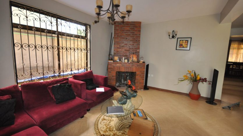 House for Sale In Ngaramtoni1