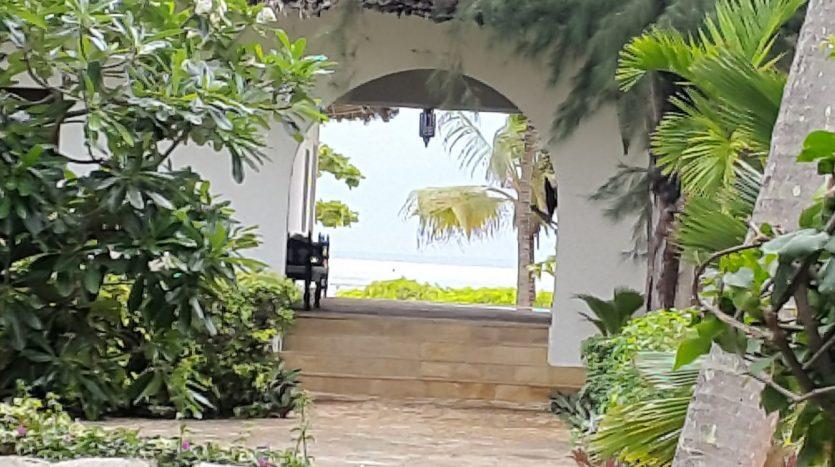 Zanzibar -Beach Hotel